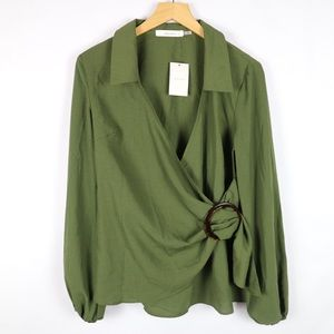 Lulu's Idem Ditto collared green ring wrap blouse
